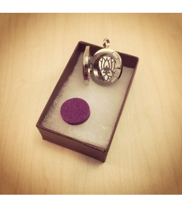 Lotus Triquetra Aromatherapy Locket 25mm